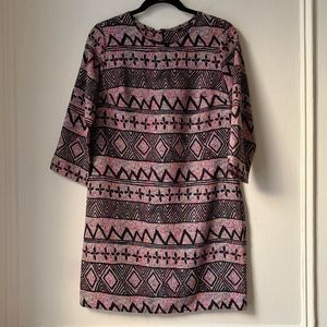Soprano Bright Printed 3/4 Sleeve Shift Dress UB1